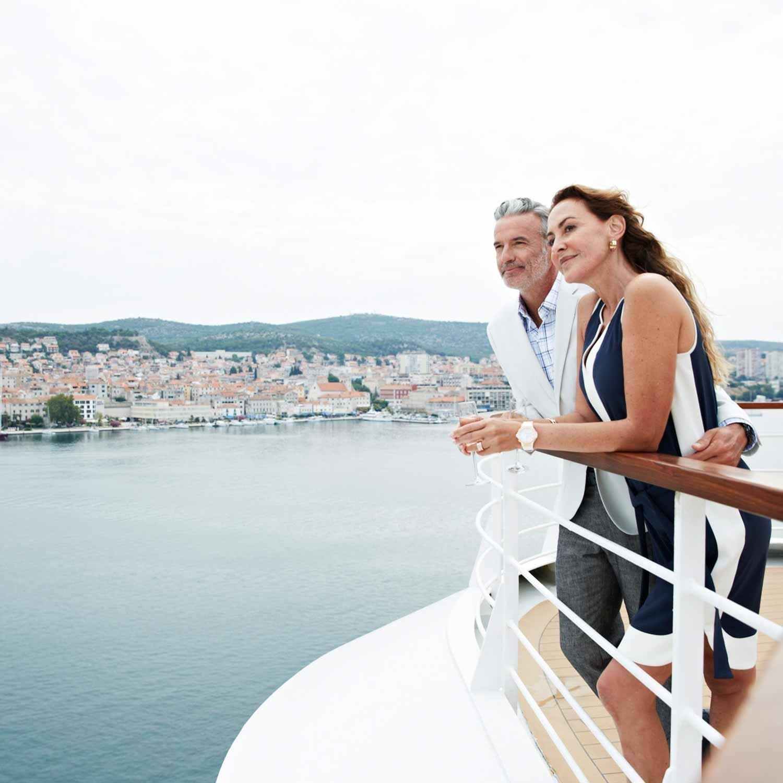 seabourn-cruises-couple-deck-2-1500